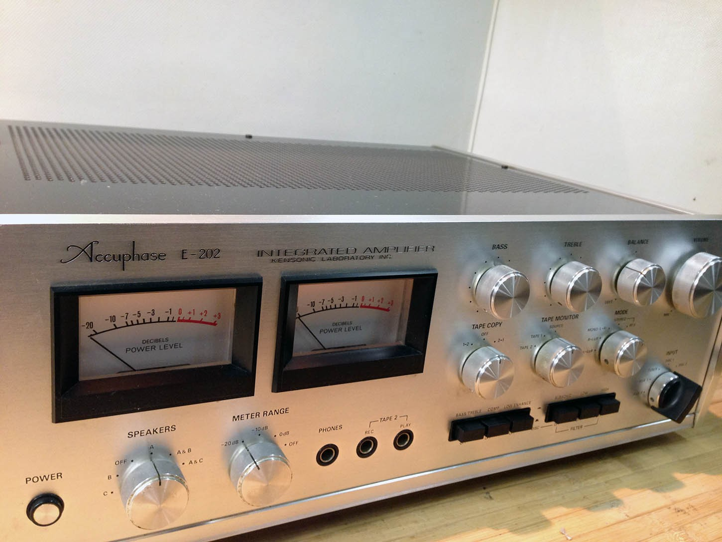 Accuphase e 202 фото