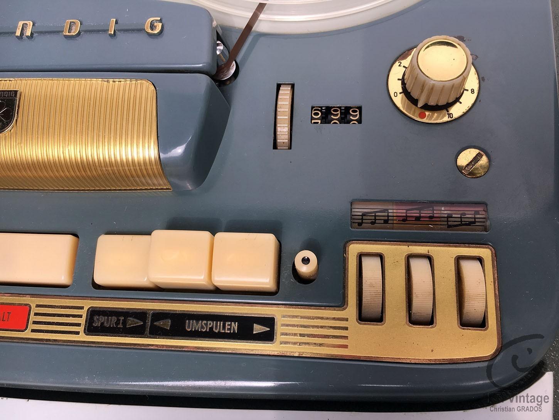 GRUNDIG TK-830