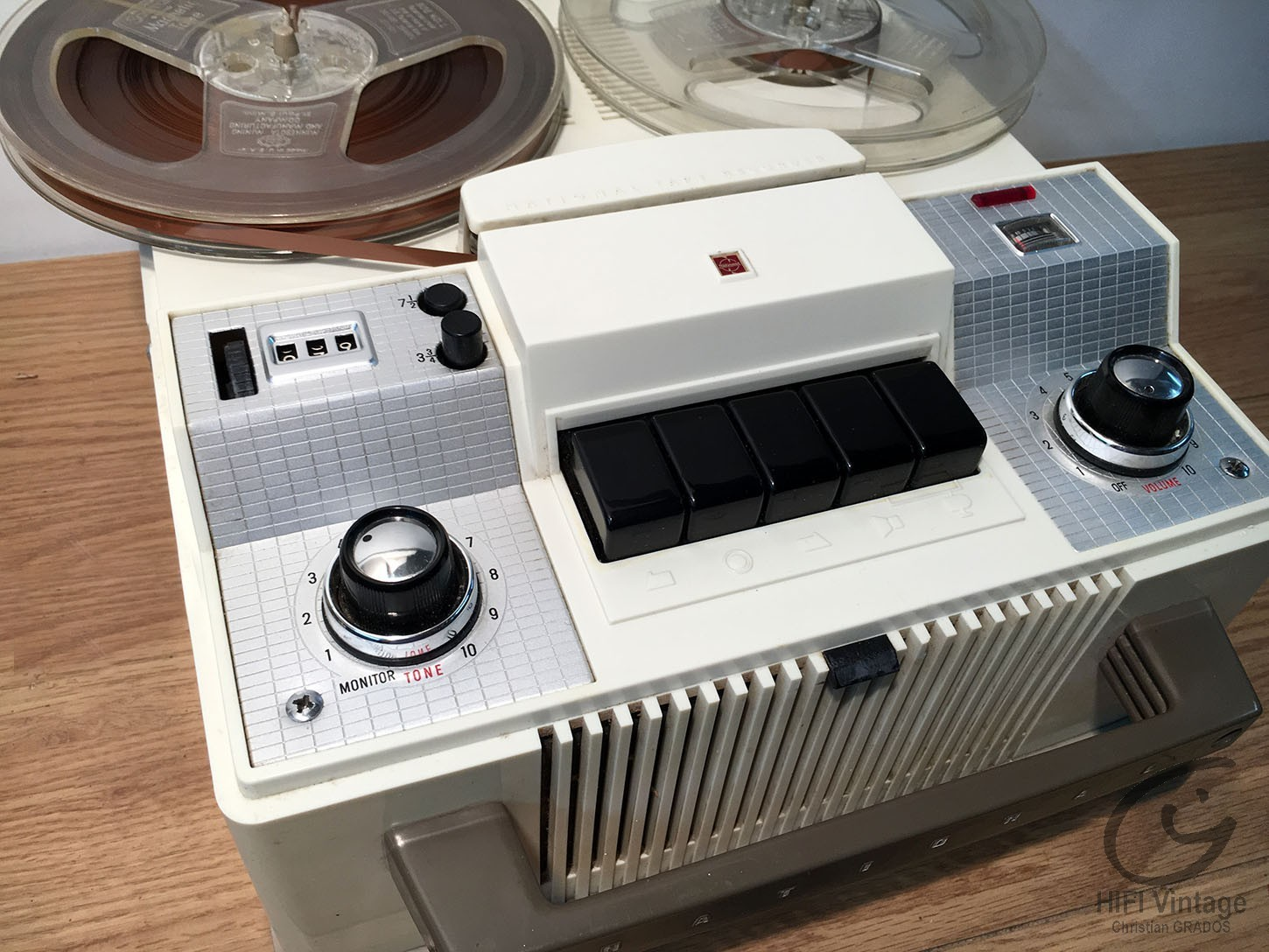 NATIONAL Tape recorder 1960