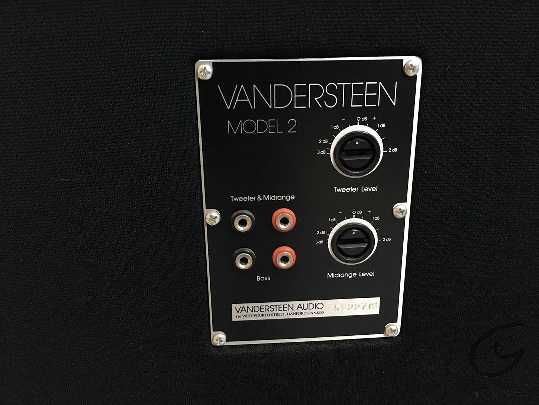 VANDERSTEEN Model 2