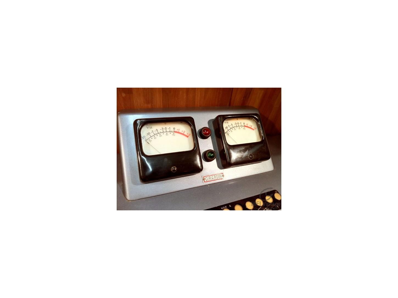 GIRARDIN Console de mixage