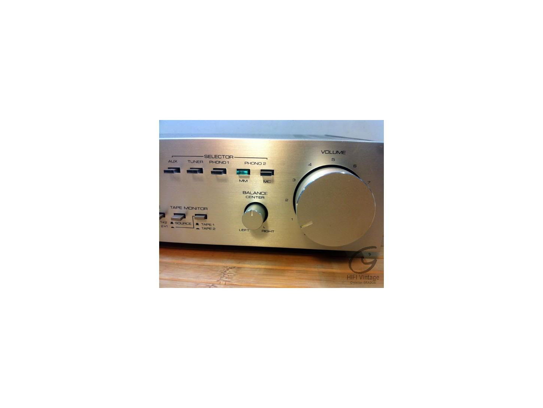 Mitsubishi M-P04 Pre-Amplifier
